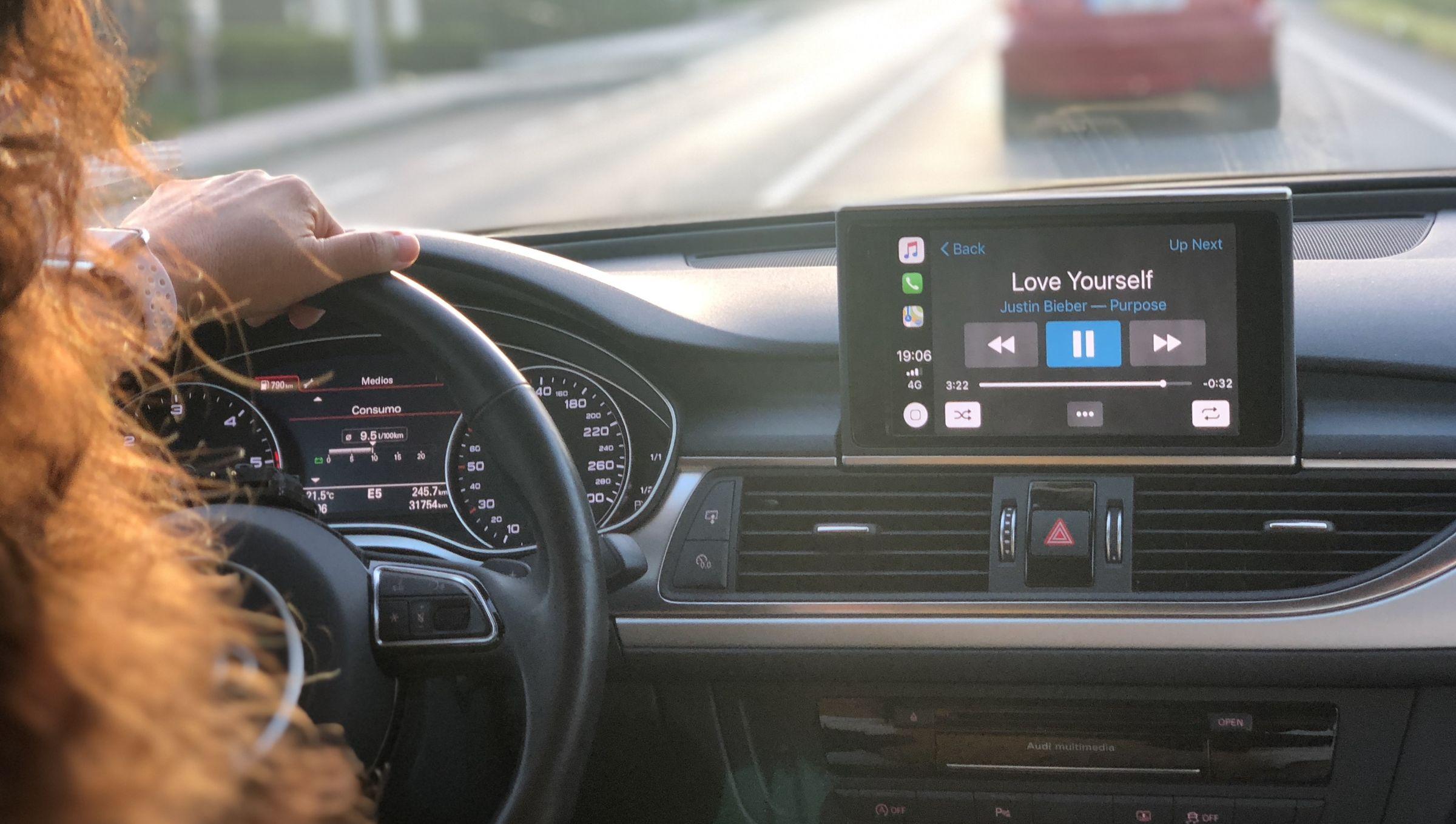 Los coches del futuro incorporarán sistemas avanzados que mantendrán permanentemente informado al conductor