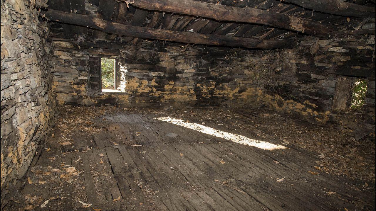 Una caniceira, en el piso superior del sequeiro, sobre la que se secaban las castañas