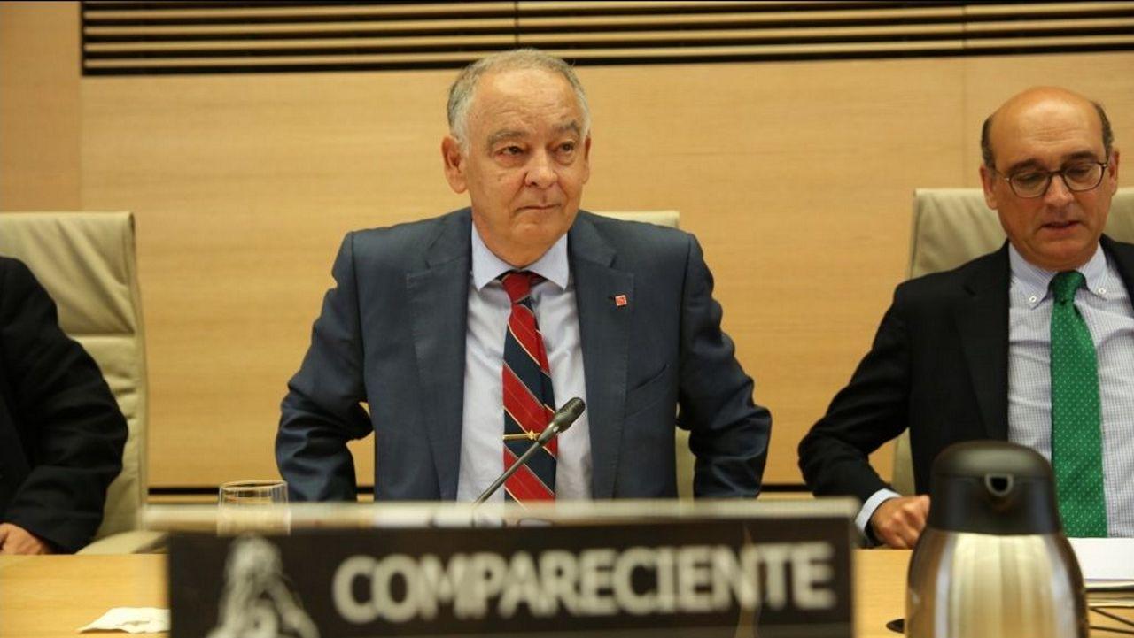 Eugenio Pino Sánchez declarando en la comisión del Congreso sobre la utilización partidista del Ministerio del Interior en el 2017