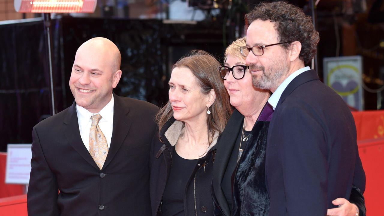 Dan Scanlon (director de «Onward»), Mariette Rissenbeek (directora ejecutiva de la Berlinale), Kori Rae (productora del filme) y Carlo Chatrian (director artístico del festival), en la alfombra roja berlinesa