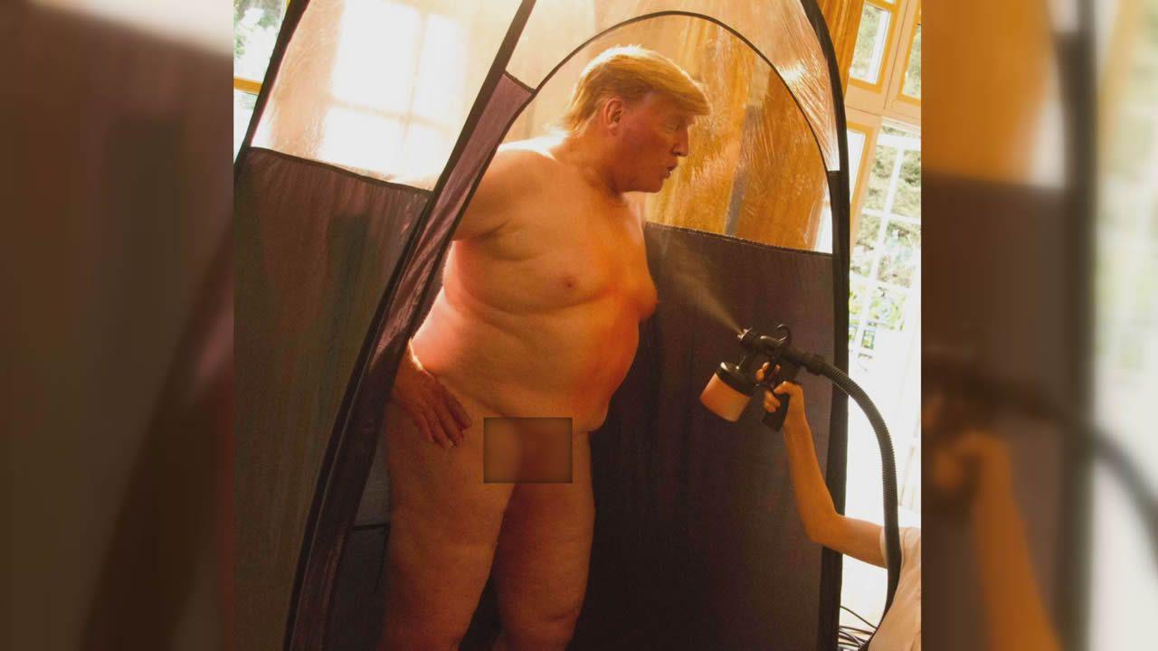 Imagen con el supuesto desnudo de Trump, con sus partes íntimas pixeladas. Puedes ver la foto al completo en esta noticia. Se trata realmente de un fotomontaje de la artista Alison Jackson