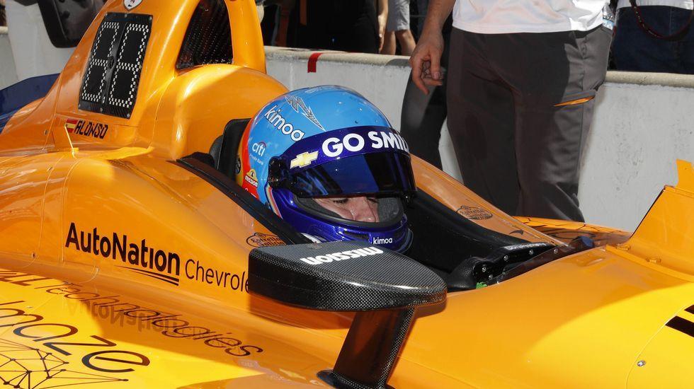Fernando Alonso, a bordo de su McLaren Indy en Indianápolis