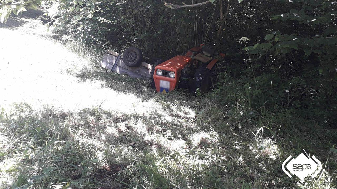 fosas asturias .Accidente de tractor en Parres