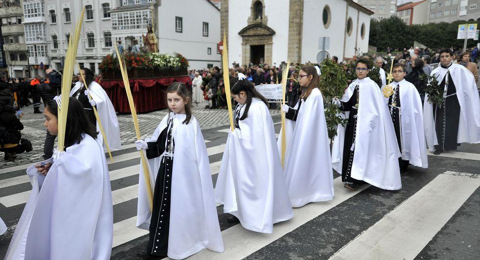 La procesión de Jesús Amigo de los Niños salió de las Angustias.