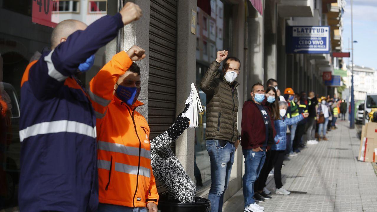 Trabajadores de Alcoa en Burela.Alberto Núñez Feijoo