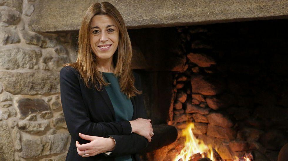 Intervienen el ordenador del exgerente del PP de Madrid en busca de pruebas de financiación ilegal.Los placeros de As Cochiñas repartieron filloas entre los clientes.