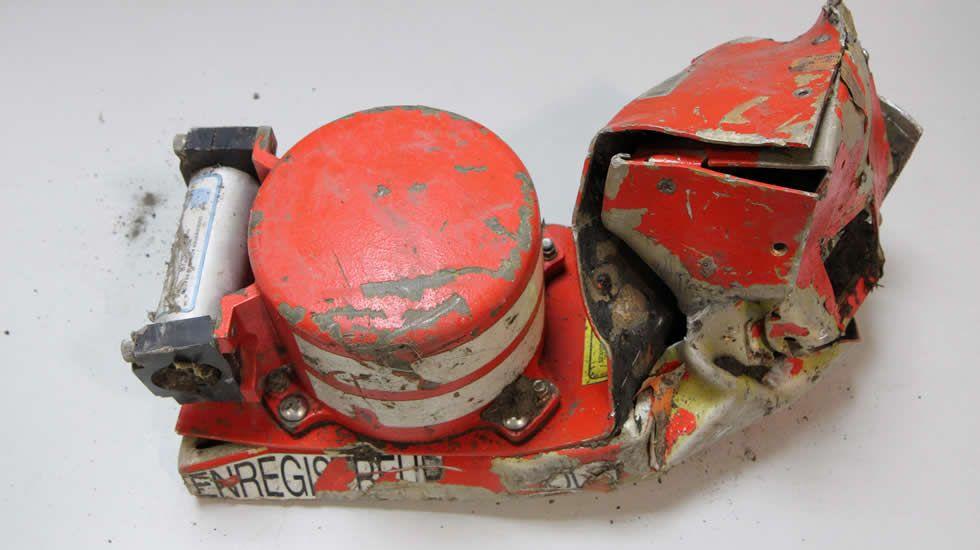 Accidente aéreo de Germanwings:Comienza la recuperación de los restos del avión siniestrado.La floristería de la madre de Josep estaba ayer cerrada. Sandoval