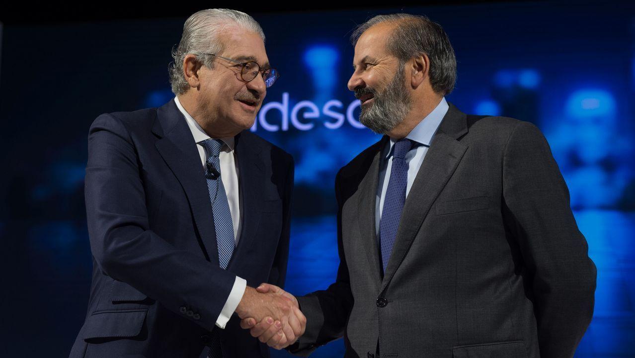 José Bogas, a la izquierda, con el nuevo presidente de Endesa, Juan Sánchez-Calero
