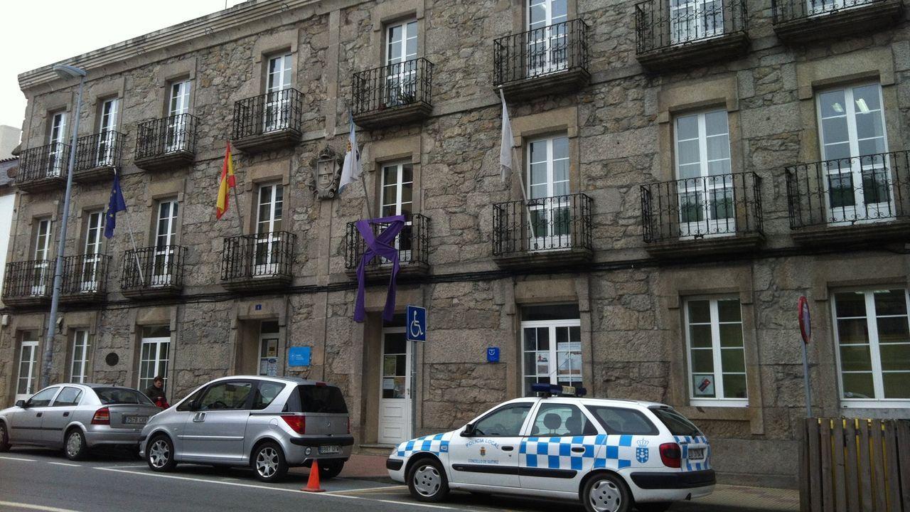 Fachada de la Casa do Concello de Guitiriz