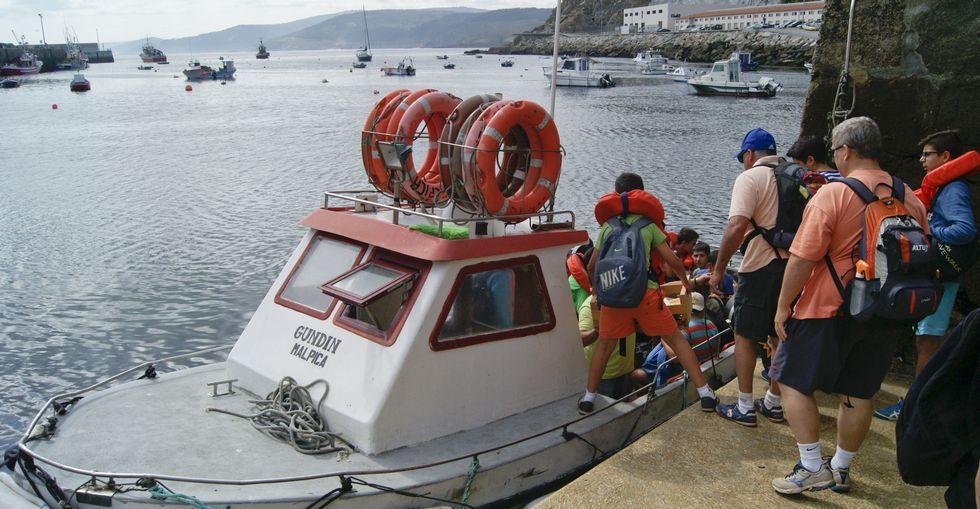 El transporte de turistas deja beneficios entre los profesionales del mar.