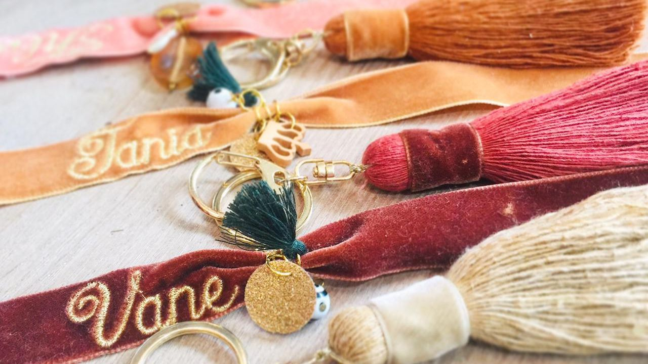 María Quiroga no solo hace macramé también pulseras, pendientes o llaveros