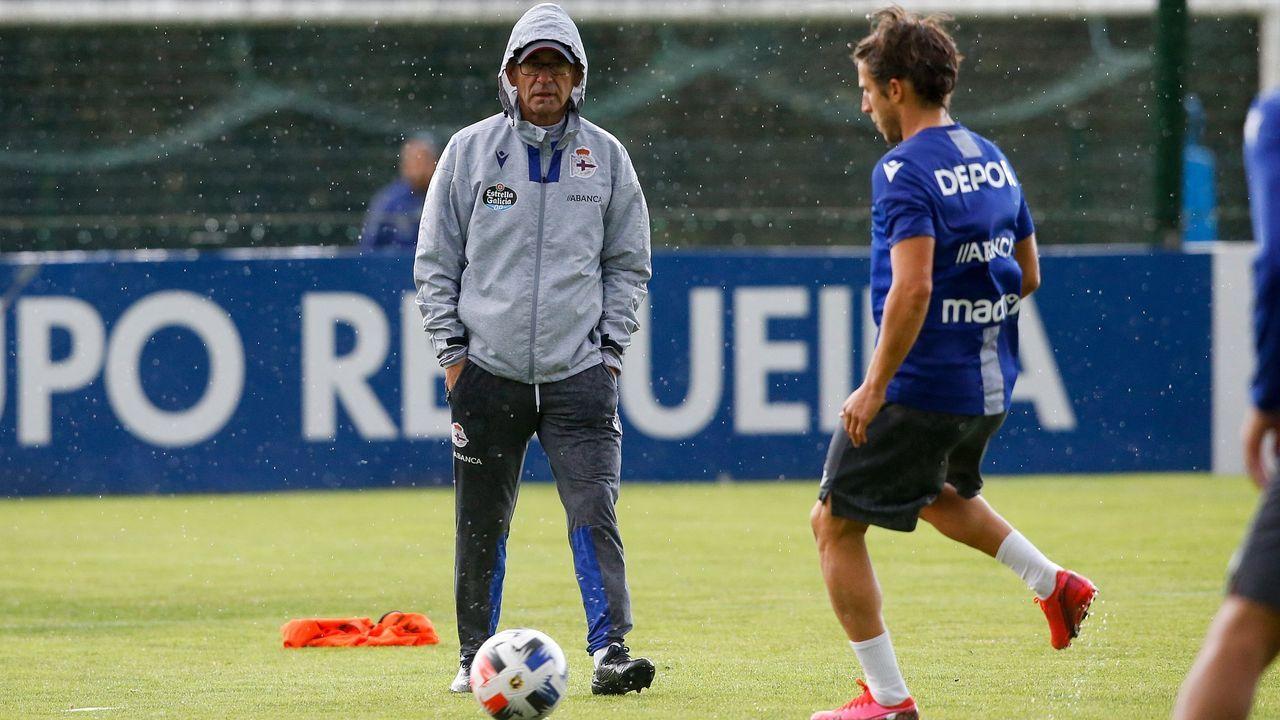 Fernando Vázquez: «<span lang= gl >Hai grandes xogadores, e hai grandes entrenadores en tódolos equipos de Segunda B</span>».Gandoy, en un lance del partido contra el Vilalbés