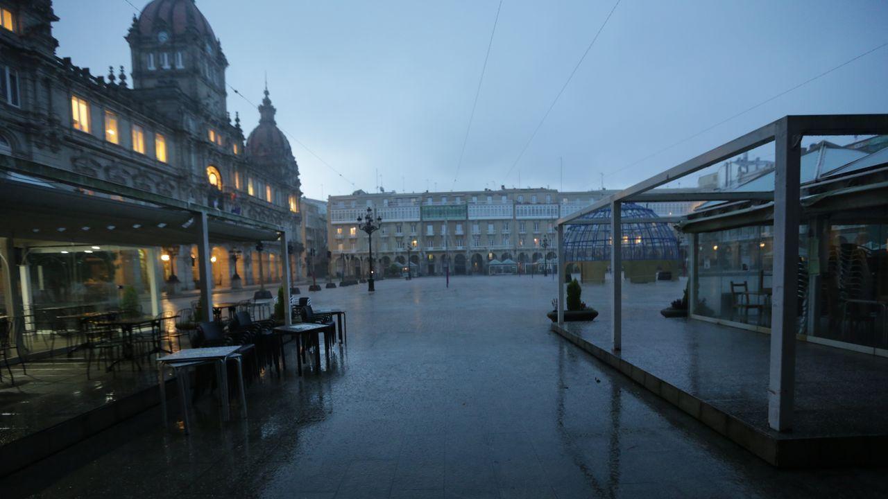 Apertura de cafeterías en la Plaza de España de Ferrol