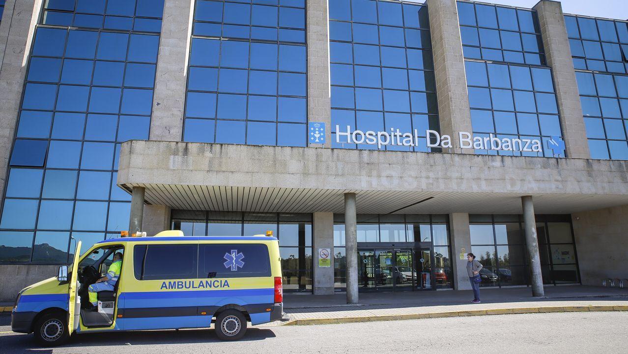 Las empresas de la comarca de Barbanza retoman la actividad.En el Hospital Comarcal da Barbanza, en la imagen, están ingresadas cinco personas