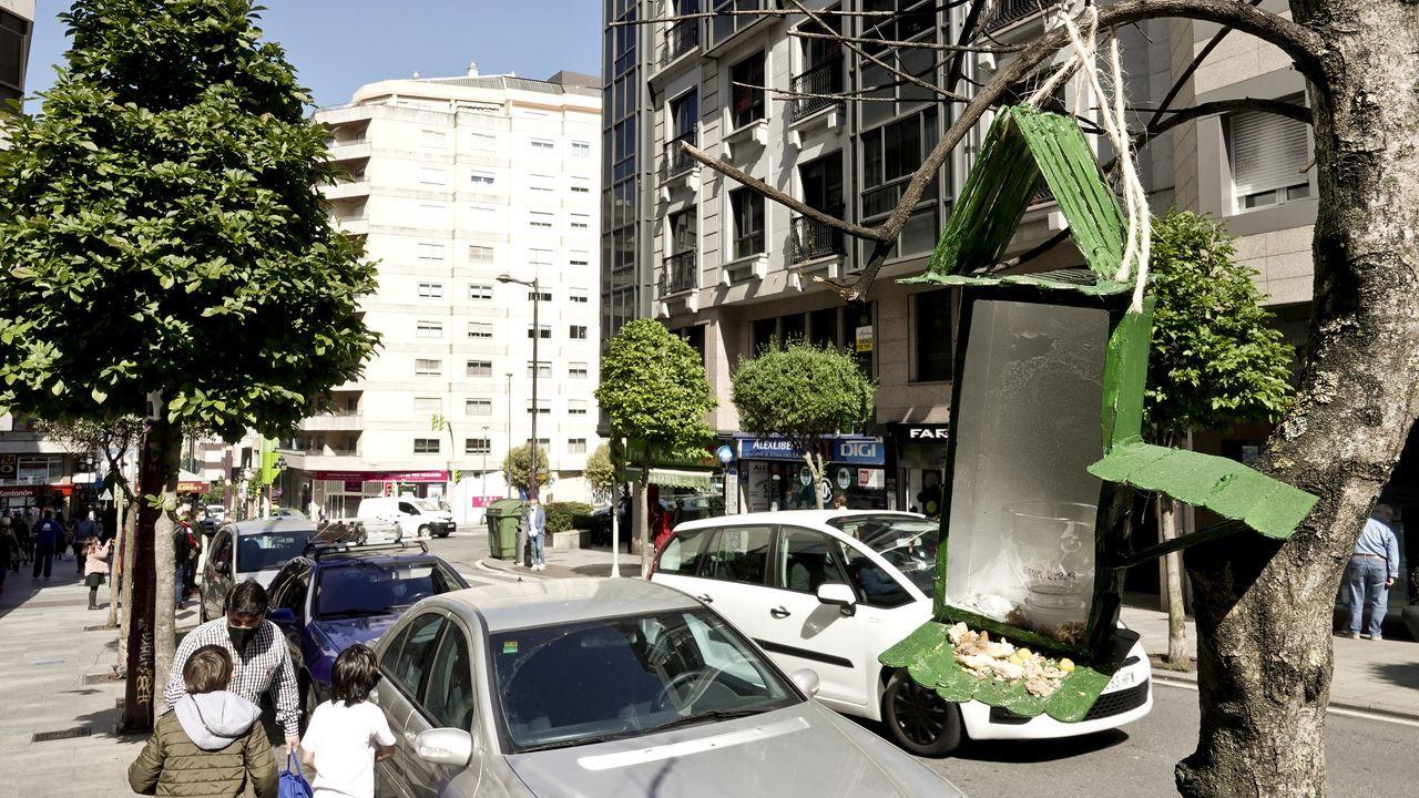 La odisea de cargar un coche eléctrico.Vista del centro de El Corte Inglés en el complejo comercial Marineda City de A Coruña