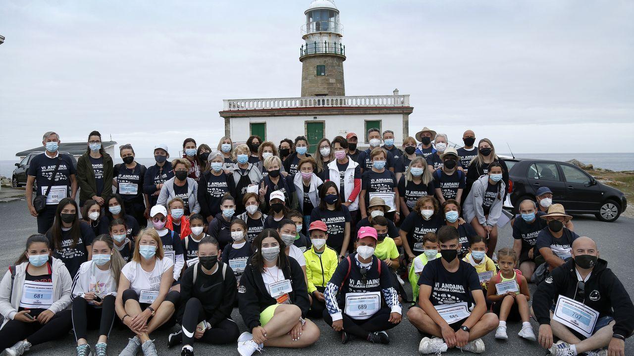 Ruta organizada por Cáritasde Ribeira para participar en la andaina solidaria de Congalsa.En Carnota ha comenzado a remitir el ritmo de aparición de nuevos contagios