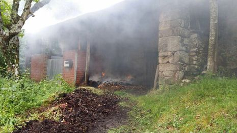 El operativo de extinción del incendio se prolongó hora y media