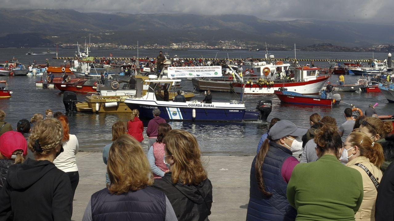 Las fotos de la protesta de la bajura gallega.Otra imagen de la protesta en A Illa de Arousa