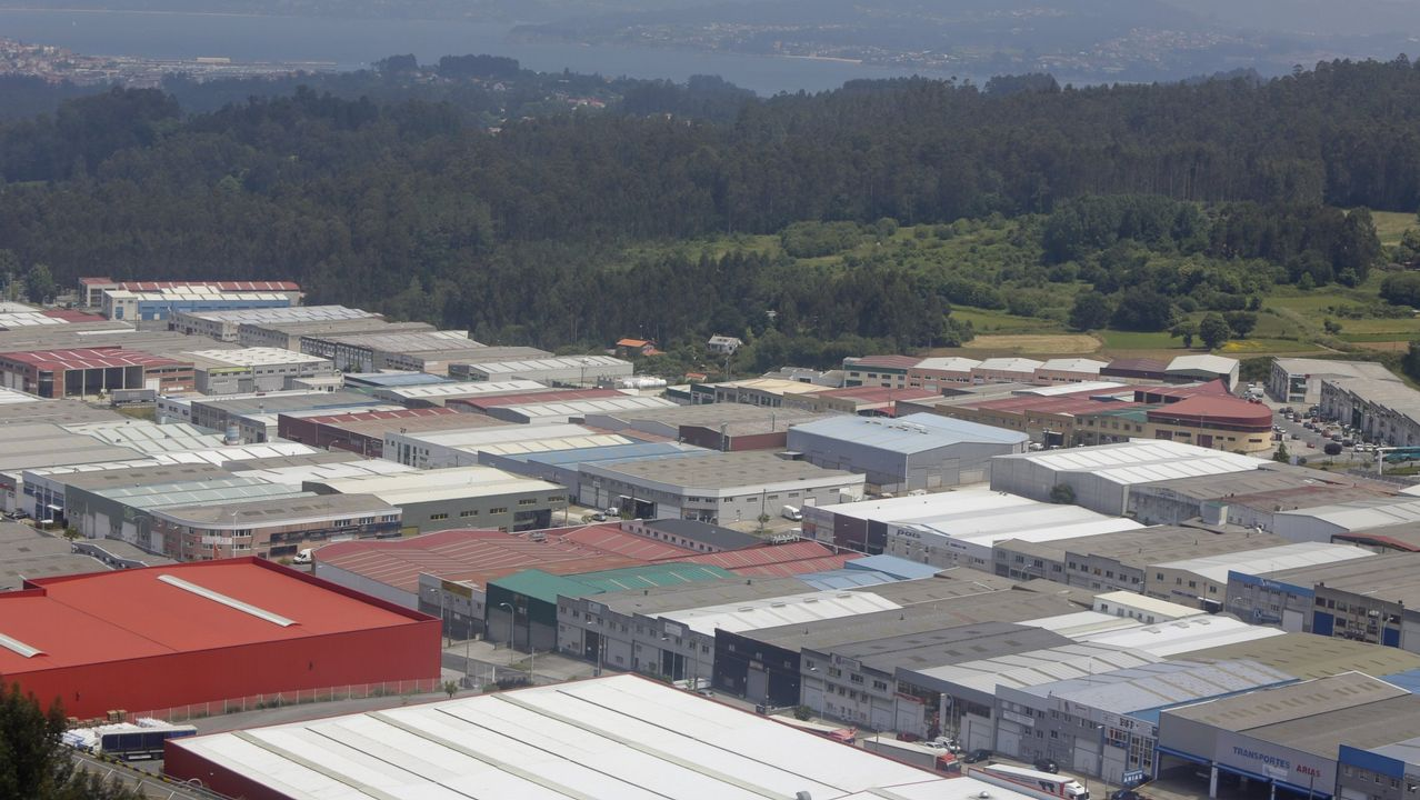 Las protestas por la pasarela de Guísamo continuarán en mayo.Protesta en Guísamo para reclamar la pasarela