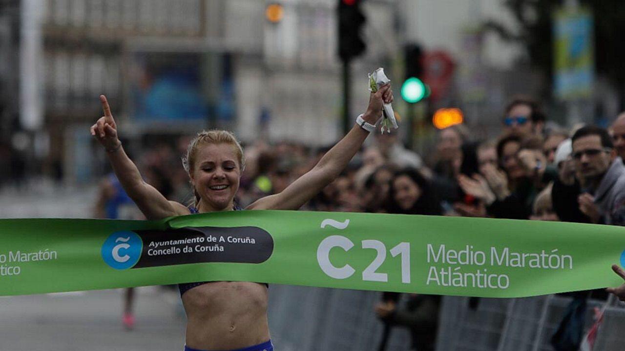 Mónica Gutiérrez, ganadora del medio maratón Coruña21