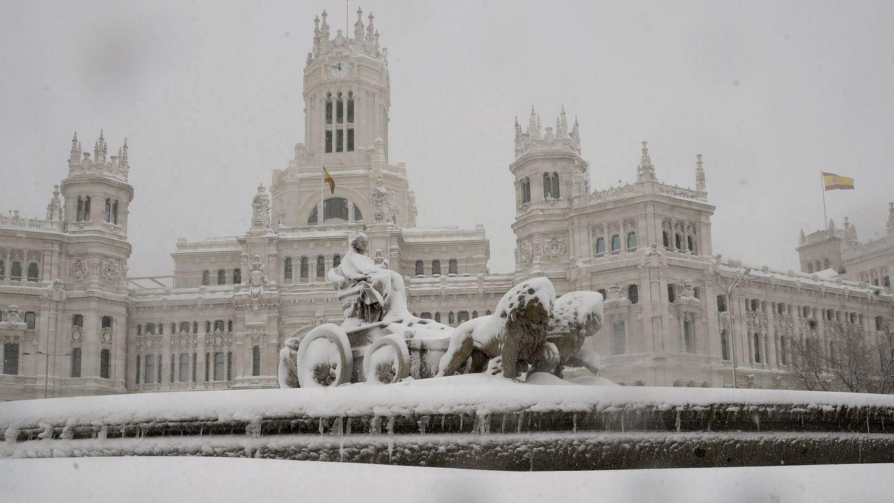 Todas las imágenes del temporal de nieve.Aeropuerto de Barajas, en Madrid.