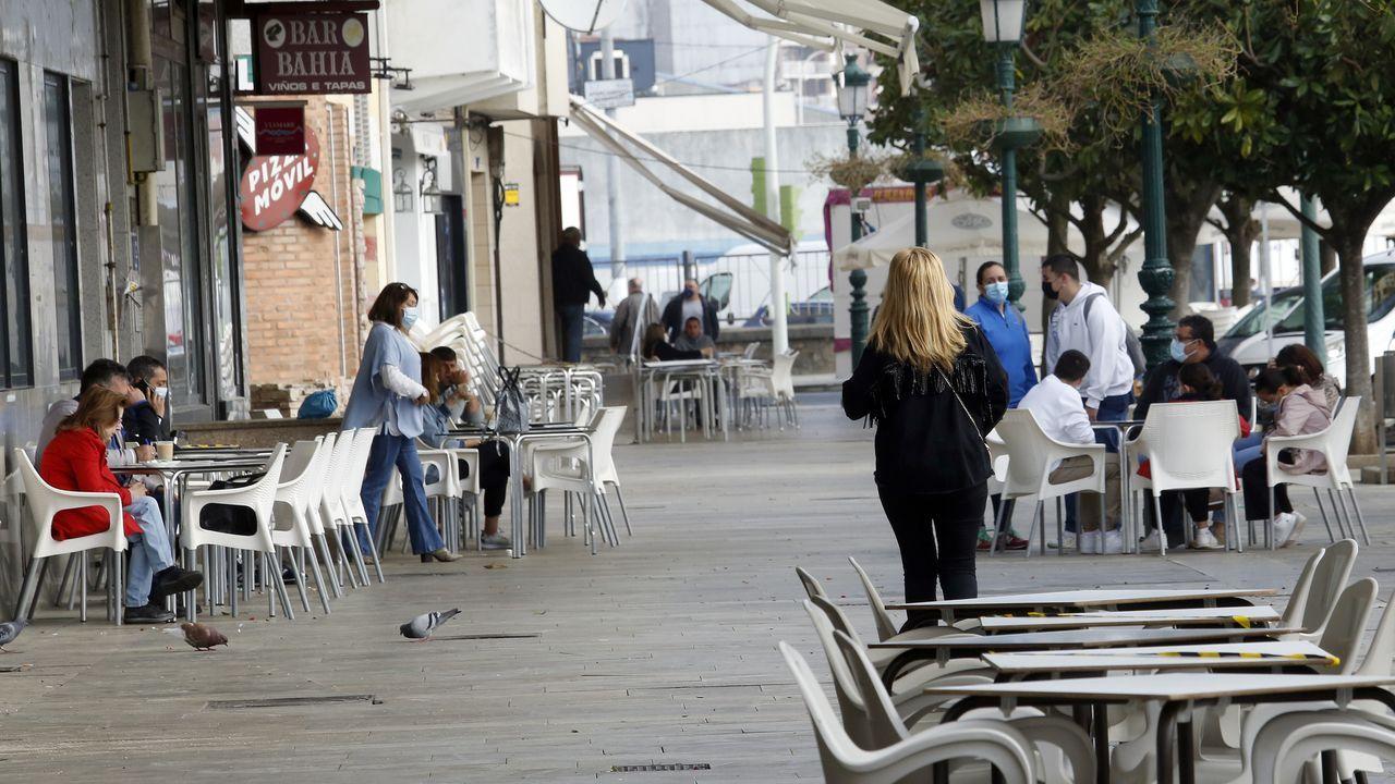 En Ribeira, el municipio que tiene registradas más licencias de bar, la hostelería verá reducirse los aforos con el incremento del nivel de restricciones