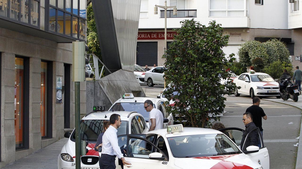 Foto de archivo de una parada de taxis en el centro de Vigo