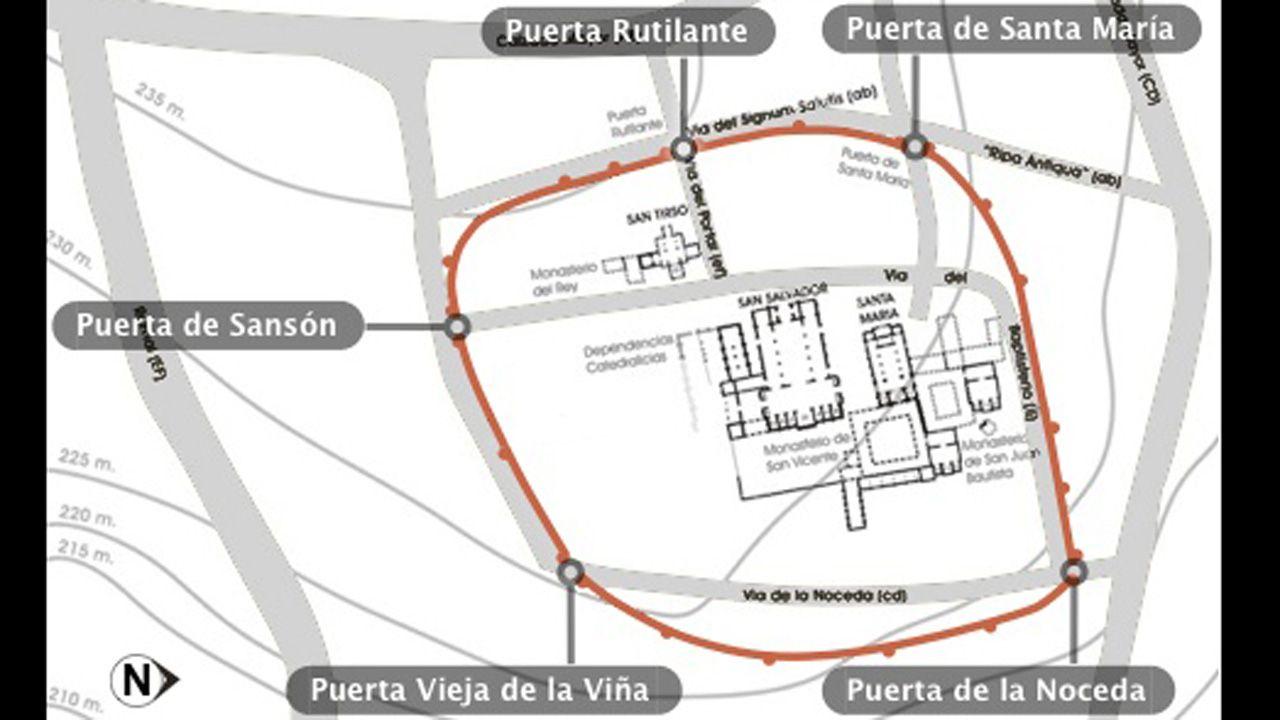 Hipótesis del trazado de la primera muralla de Oviedo, en tiempos de Alfonso II, que guardaba el complejo catedralicio y los palacios