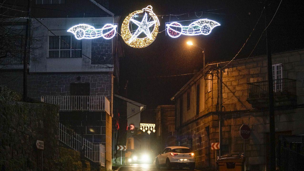 NAVIDAD EN CELANOVA.San Cibrao también ha decorado algunas de sus calles