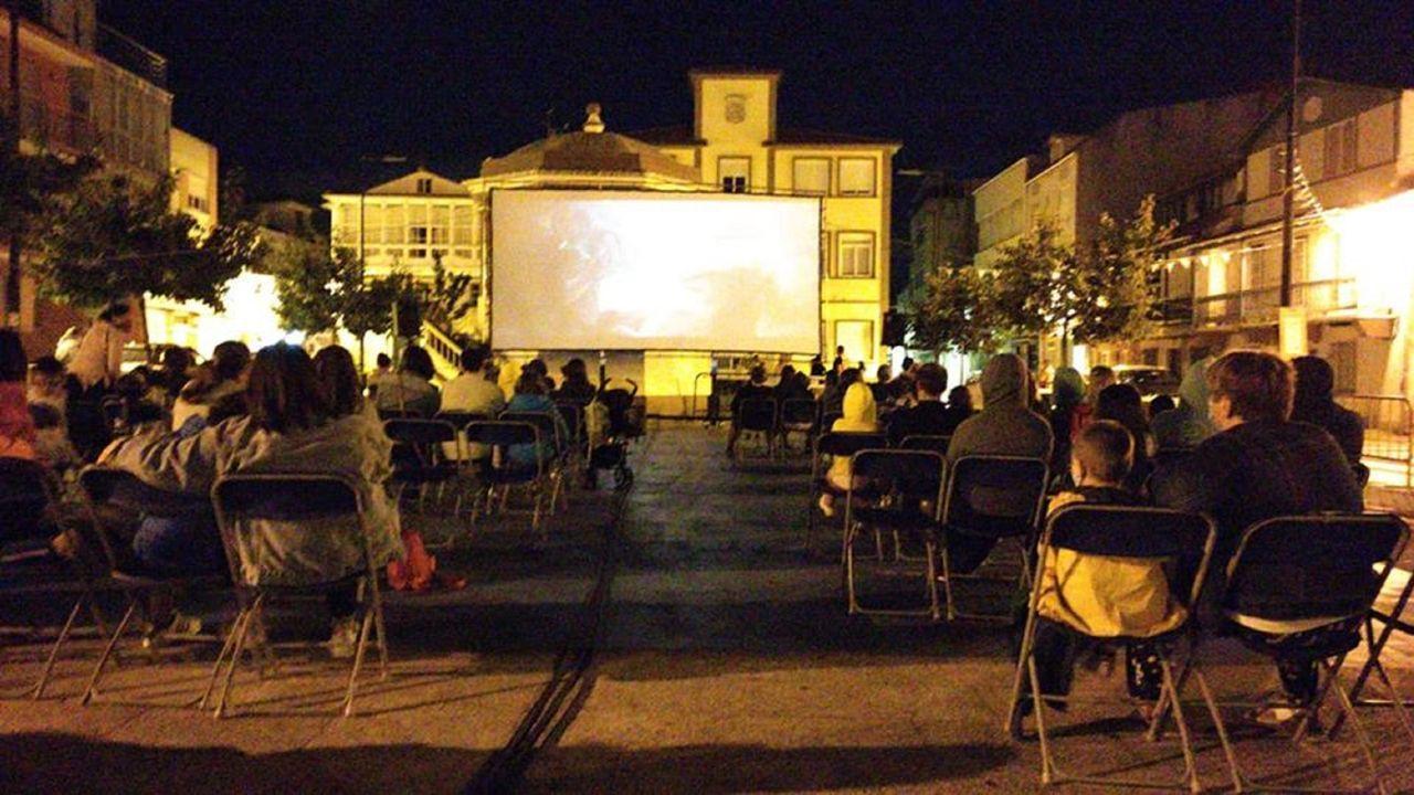 Las proyeciones se orientan a un público familiar, con películas de corte intergeneracional