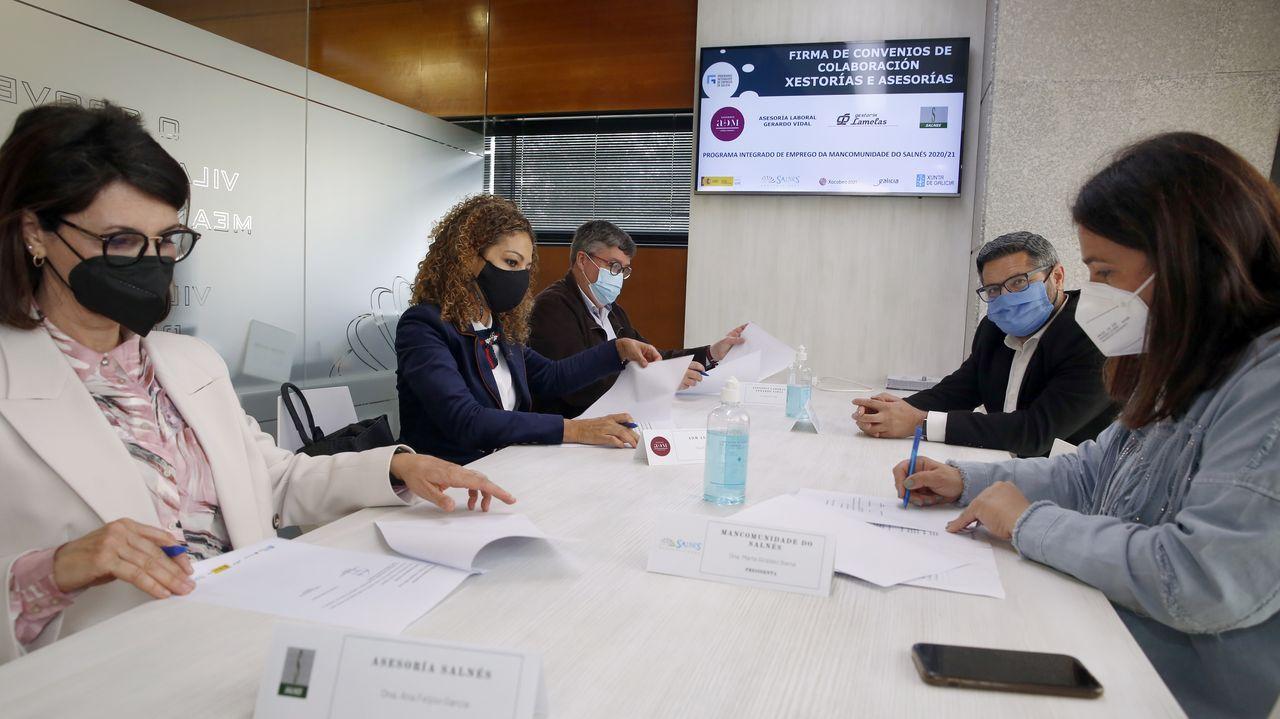 Presentación del borrador del plan Supera21 a asociaciones de comerciantes y hosteleros de Pontevedra