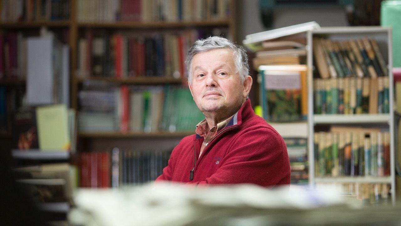 Alfonso Blanco, coordinador de Xermolos, na Biblioteca de Guitiriz
