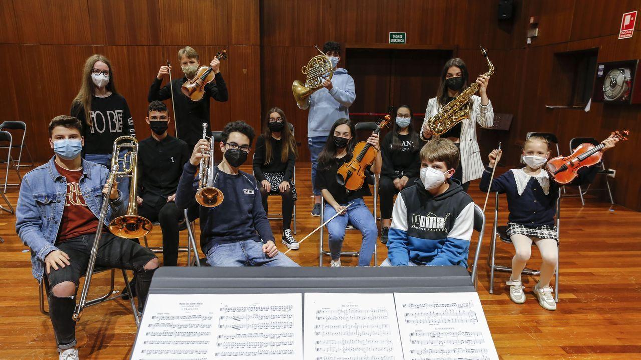 Así pintaron el mural del IES O Couto.Un alto porcentaje de los premiados son alumnos del Conservatorio de Ourense
