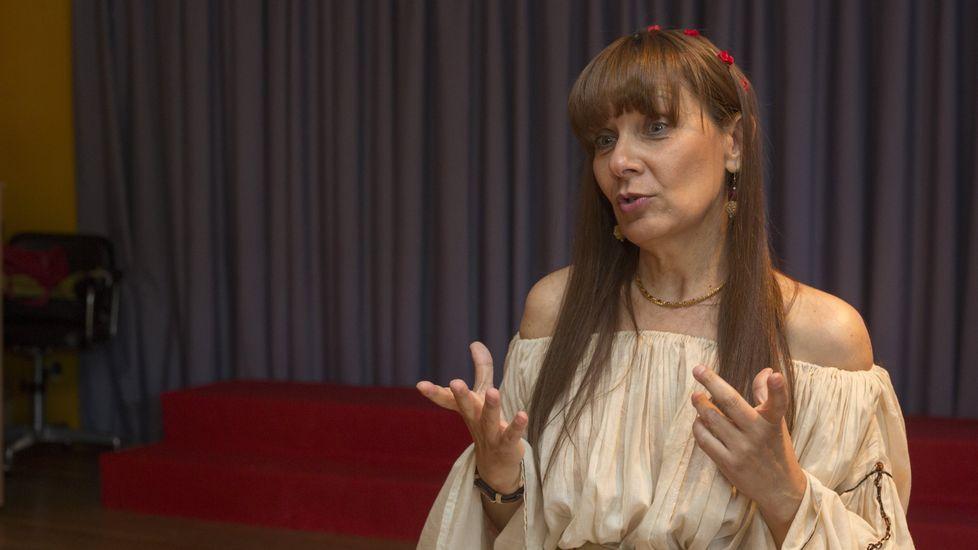 Ana Hermida estuvo ayer en el CEIP de Caión. La imagen, de archivo, es anterior a la pandemia