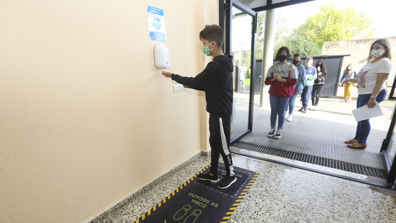 Imagen del primer día de clases en el IES de A Laracha