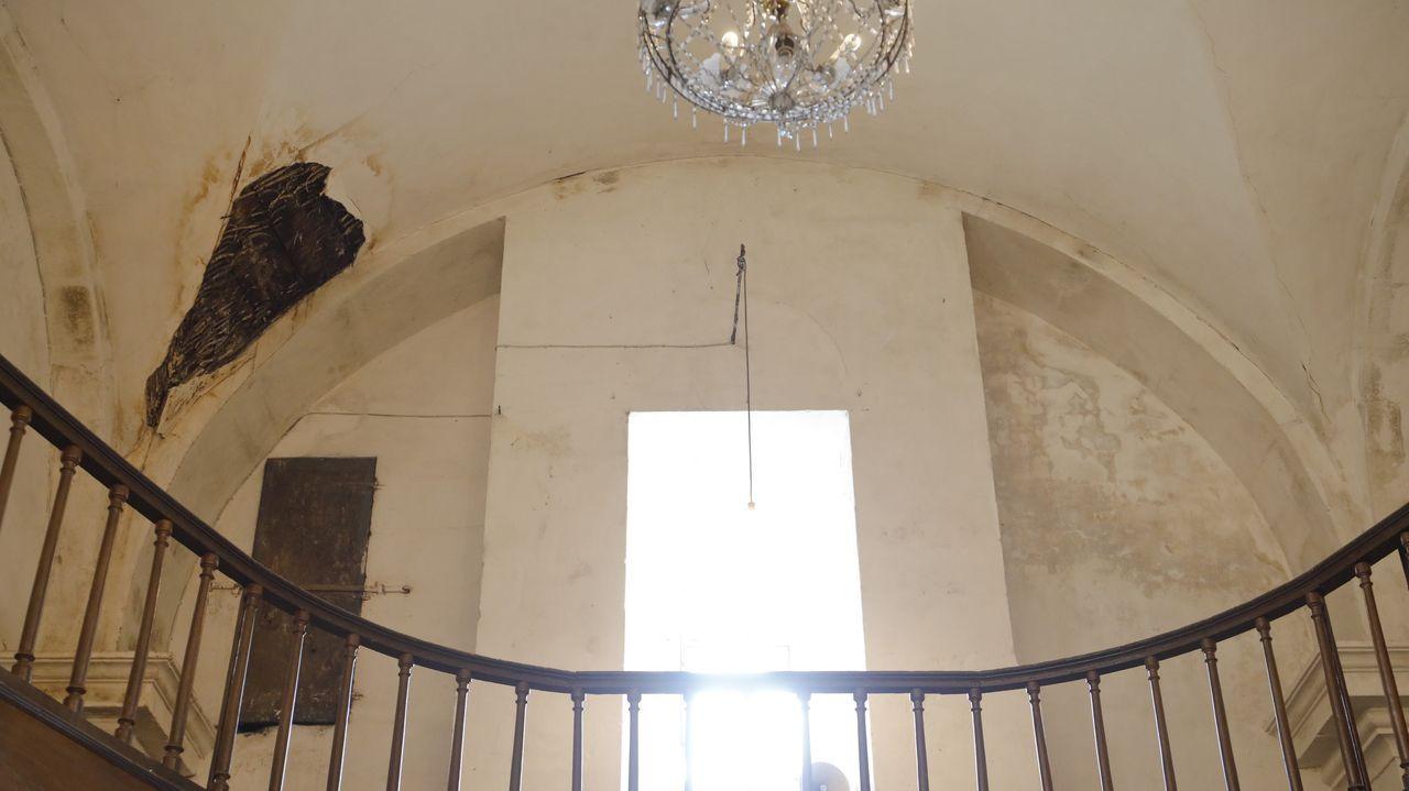 Teitos da igrexa do Carme, en Lugo