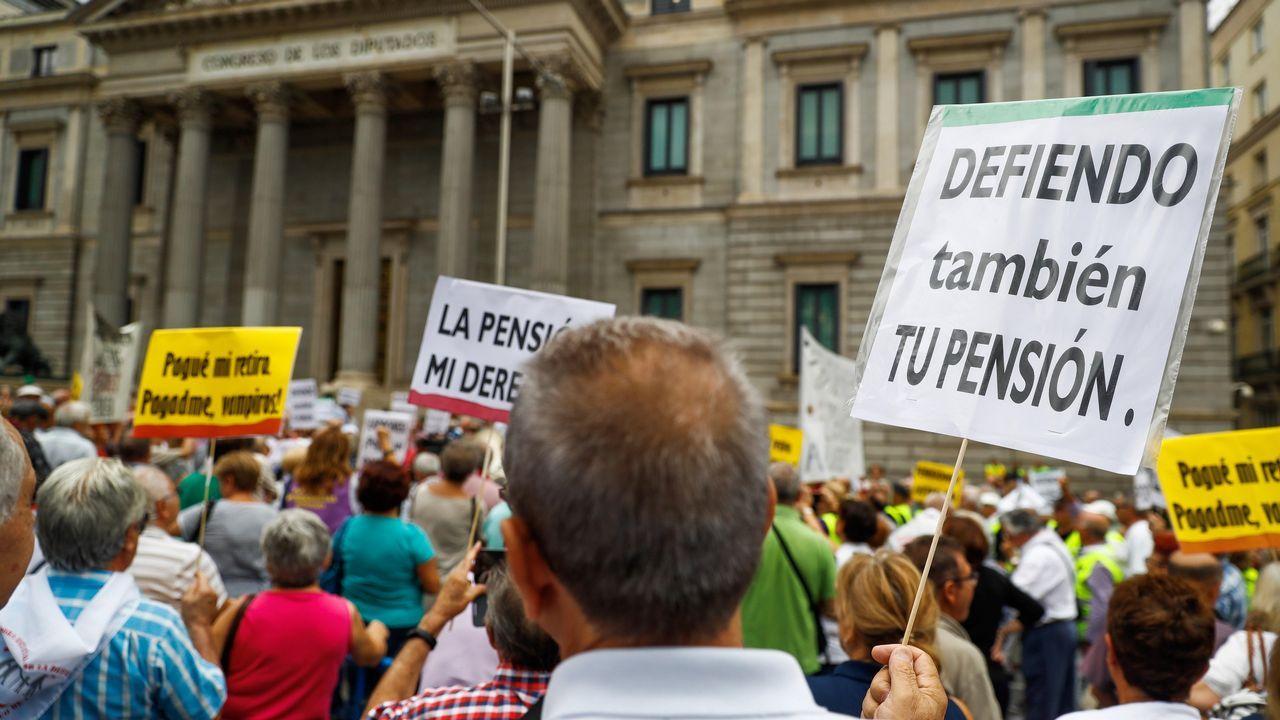 Un año marcado por la moción de censura y la irrupción de la extrema derecha.Alfredo de Miguel (d), principal acusado en el proceso contra la trama de cobro de comisiones ilegales