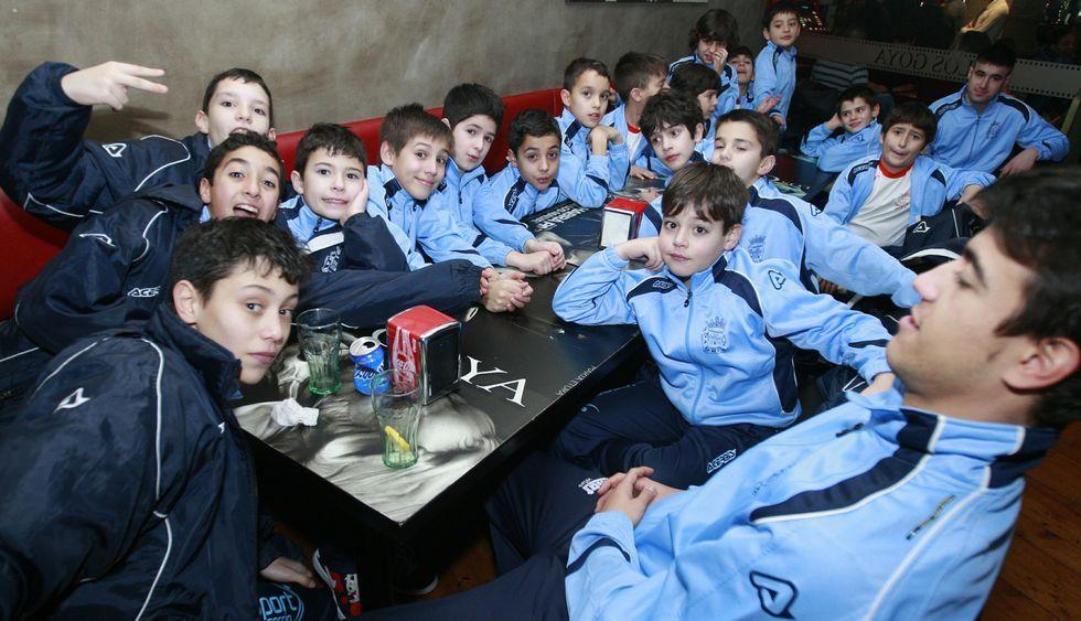 En el torneo participaron un centenar de futbolistas de categorías benjamines y alevines.
