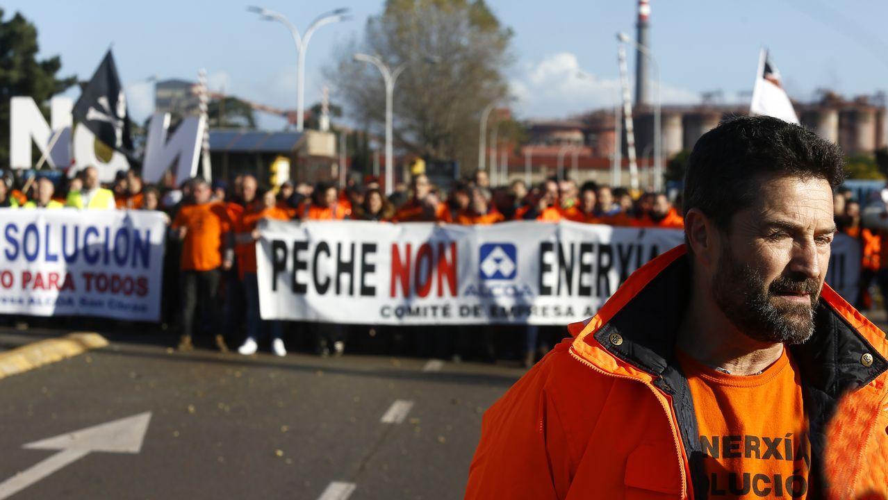 La dirección de Alcoa ha trasladado a su Comité Europeo su decisión de cerrar sus plantas en Avilés y A Coruña