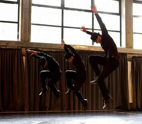 Detalle de la coreografía de Peón «Amizade», premiada por el Conservatorio Superior de Danza de Madrid y que hoy interpretarán sus alumnos madrileños con motivo del Día Internacional de la Danza.