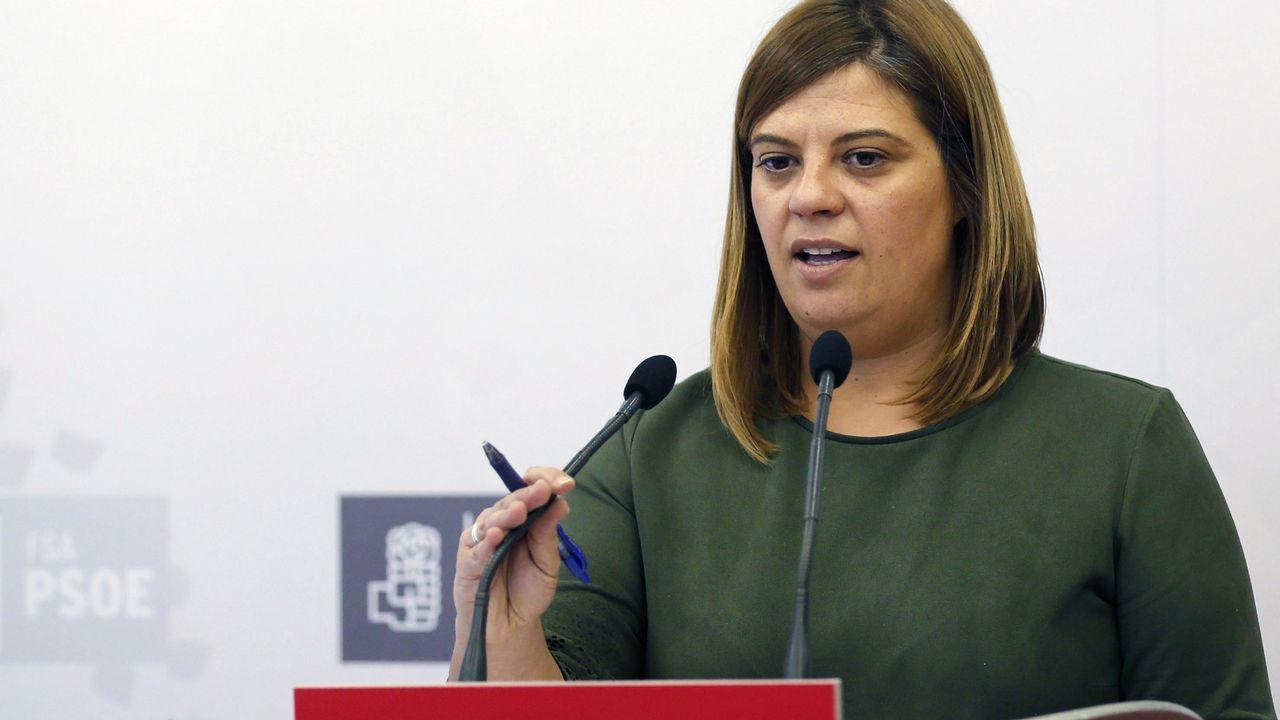 La secretaria de Organización de la FSA-PSOE, Gimena Llamedo, en rueda de prensa después de que la Xunta pola Defensa de la Llingua Asturiana (XDLA), convocante de la manifestación del pasado sábado en Oviedo, exigiera hoy a los partidos que defienden esa iniciativa que la impulsasen antes de las elecciones autonómicas que se celebrarán en mayo de 2019