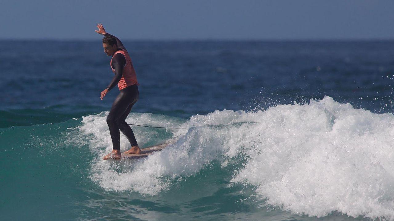 Las imágenes del Abanca Galicia Classic Surf Pro.Los servicios de emergencia se encontraron con un barco completamente en llamas al que ni siquiera podían acceder