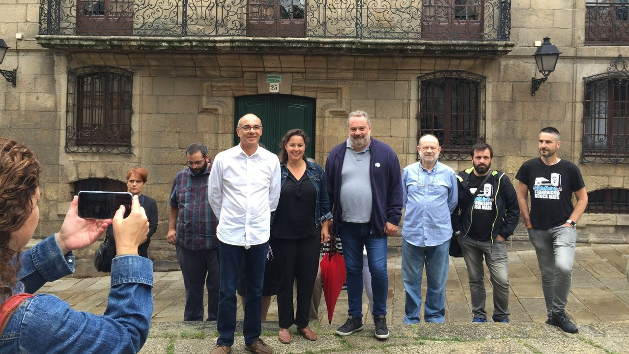 La conselleira de Infraestruturas, Ethel Vázquez, visitó Sada el fin de semana con concejales del PP