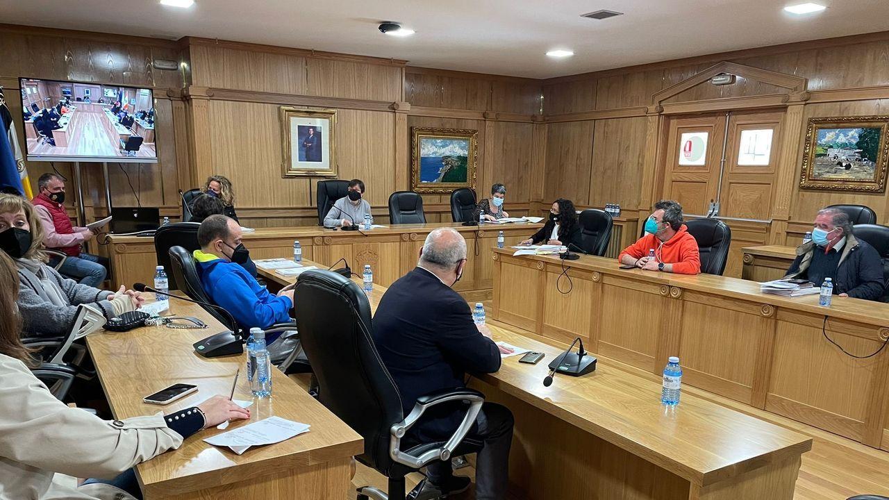 La alcaldesa de Xinzo, Elvira Lama, y el edil de Medio Rural, Amador Díaz Penín