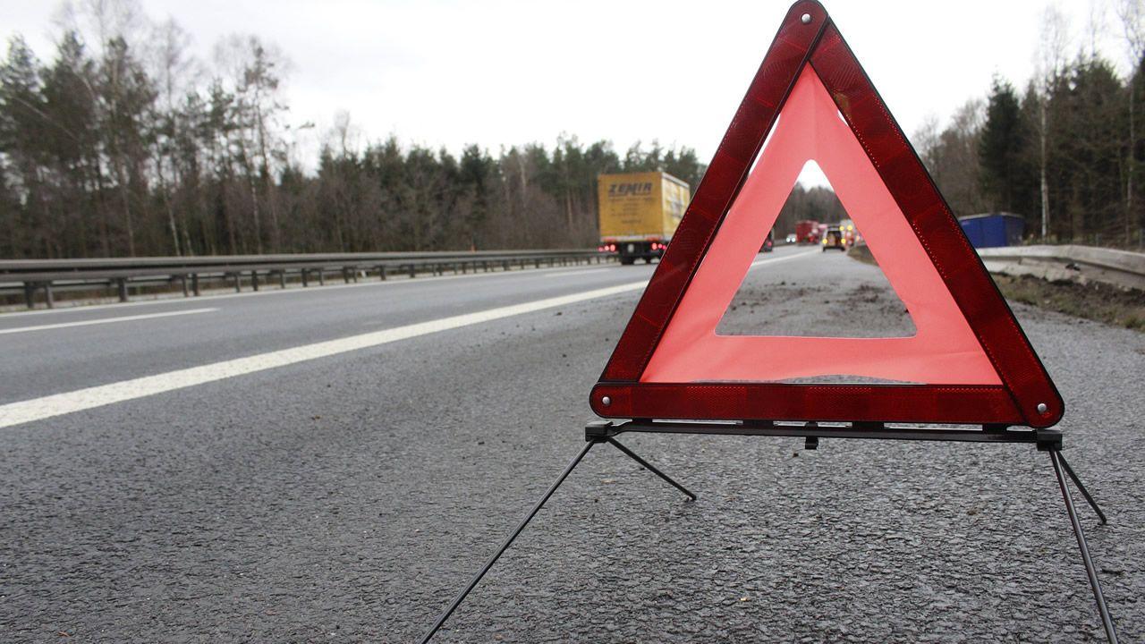 DGT: «Ante un accidente o avería hay evidencias de que es mejor permanecer en el vehículo con el cinturón puesto»