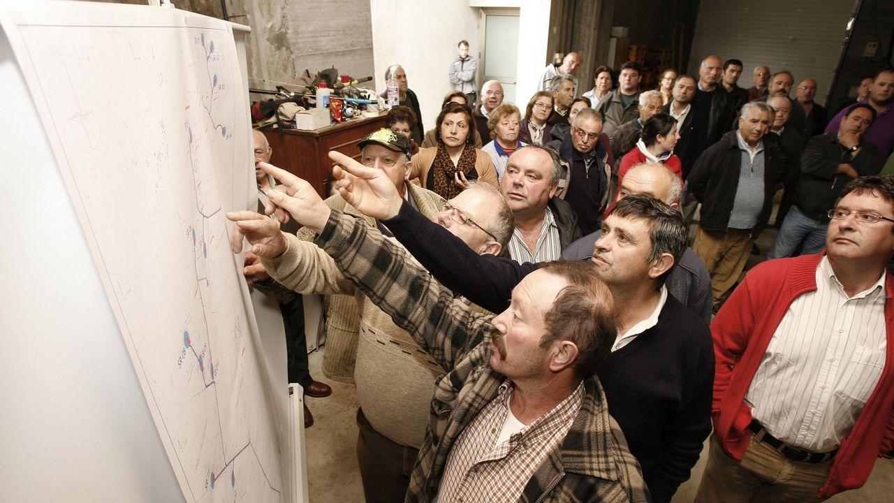 En mayo del 2012 se celebró una asamblea de vecinos en A Rabadeira (Seavia) para tratar sobre el futuro parque