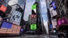 Bala publicitadas en uno de los luminosos de Times Square en Nueva York