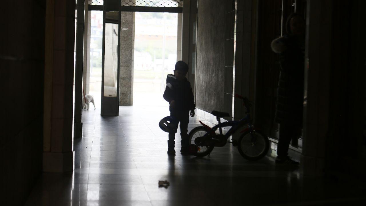 Niños en la calle en Viveiro