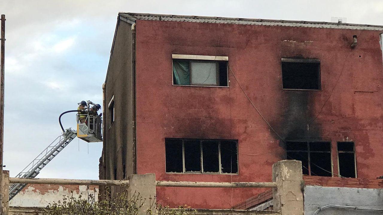 Incendio de un edificio okupado en Badalona.Los Mossos detuvieron al lucense el pasado viernes, cuando le atraparon tras conducir en dirección contraria por la A-7 con el cadáver de su pareja en el asiento del copiloto