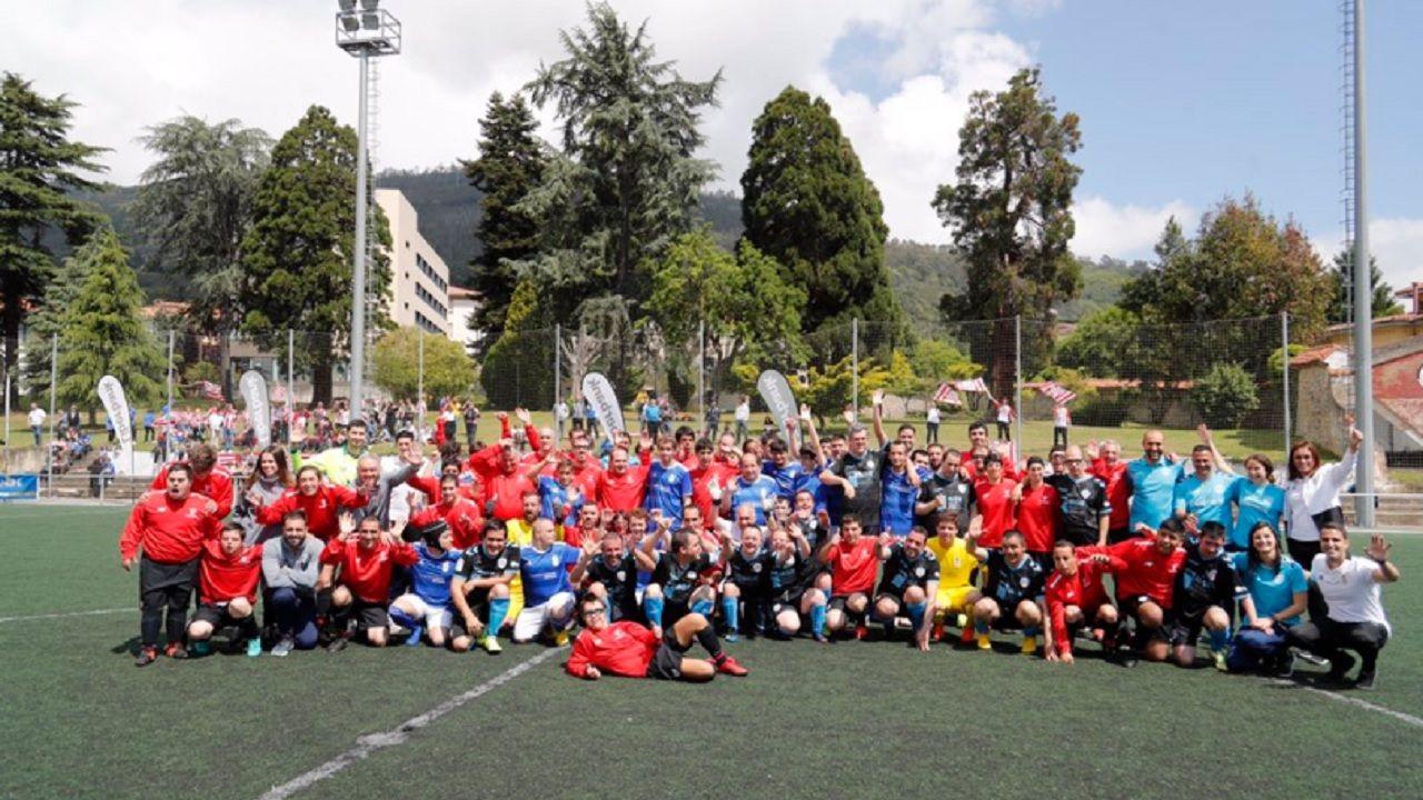 Foto de familia del II Torneo Triangular Real Oviedo Unlimited